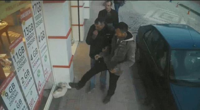Kediye tekme atan kişiye 947 lira ceza kesildi
