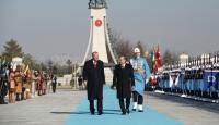 Cumhurbaşkanı Erdoğan, Özbek mevkidaşı Mirziyoyev'i resmi törenle karşıladı