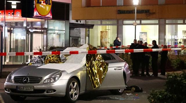 Almanyada silahlı saldırı: 11 ölü