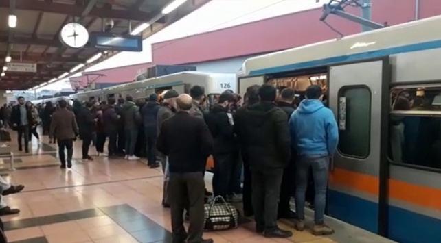 İstanbulda metro seferlerinde aksama