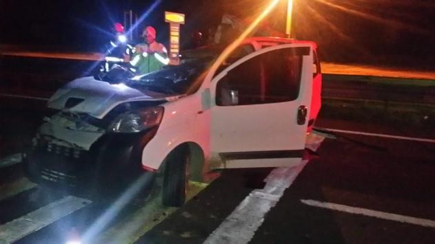 Kırıkkalede hafif ticari araç ile tır çarpıştı: 1 ölü, 2 yaralı