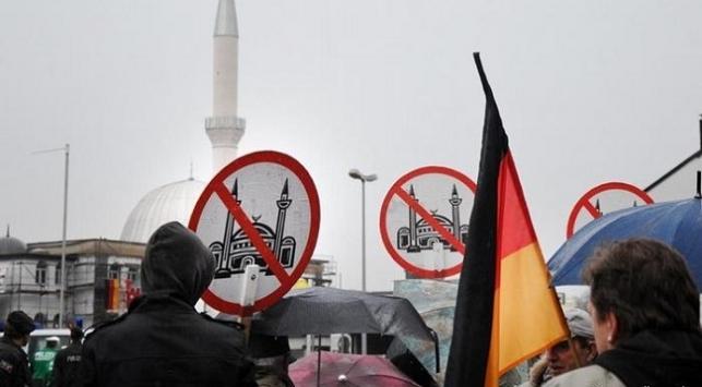 Irkçılık ve İslam düşmanlığı Almanyada hız kesmiyor