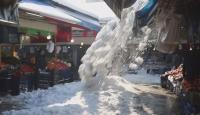 Sivas'ta kar kütlelerinin düşme anı kamerada