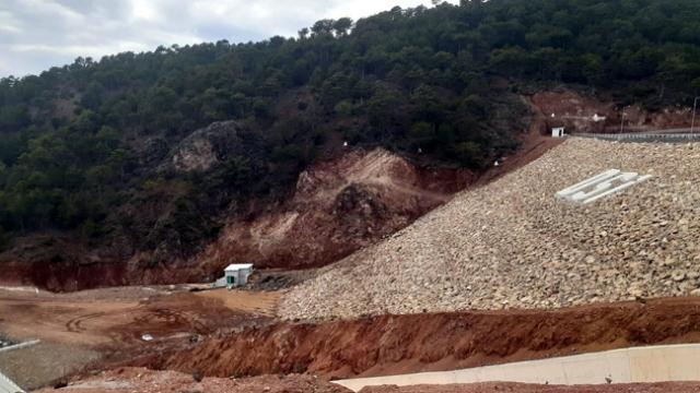 Bahadır Barajı'nda çatlama meydana geldi