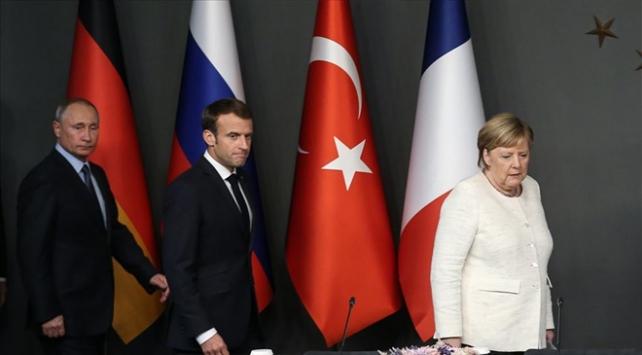 Merkel ve Macrondan Putine İdlib çağrısı