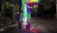 Adana'da boks makinesindeki paraları çalan hırsız aranıyor