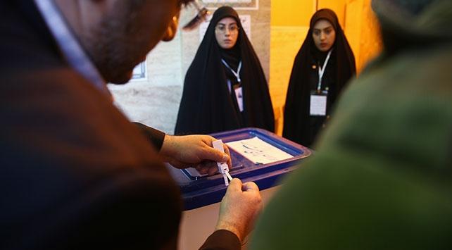 İranda 11. Dönem Meclis Seçimleri için oy verme süreci başladı