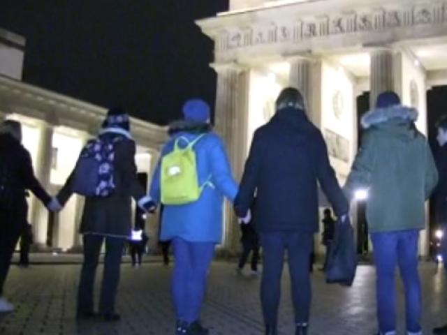 Berlinde ırkçı saldırıya sessiz protesto