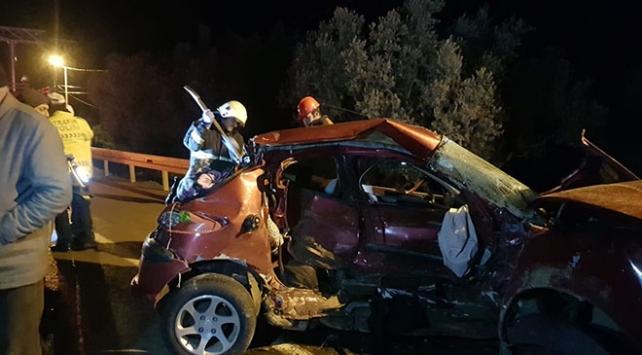 Bursada otomobil ile kamyonet çarpıştı: 1 ölü, 3 yaralı