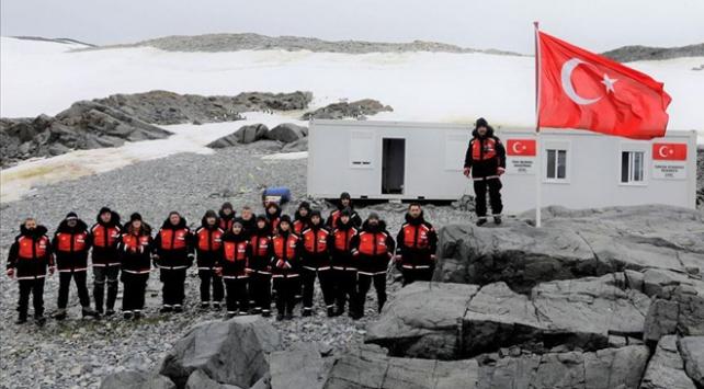 Türk bilim insanları Beyaz Kıtadaki üsse ulaştı