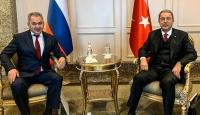 Bakan Akar Rus mevkidaşı Şoygu ile görüştü