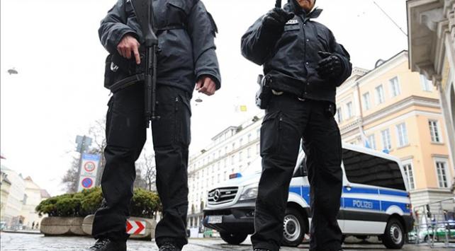 Almanyada nargile kafeye silahlı saldırı
