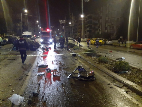 Denizlide ticari taksi ile otomobil çarpıştı: 1 ölü, 3 yaralı