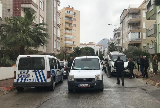 Antalyada polisten kaçan sürücü kovalamaca sonucu yakalandı