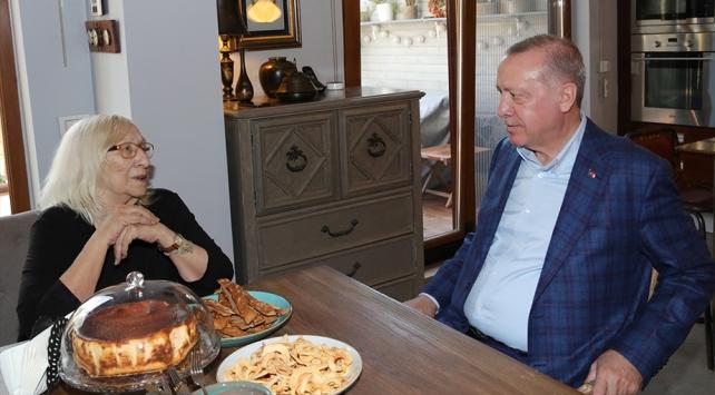 Cumhurbaşkanı Erdoğan, Alev Alatlıyı ziyaret etti
