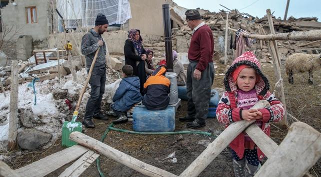 İran depremi Vanı vurdu: 9 ölü