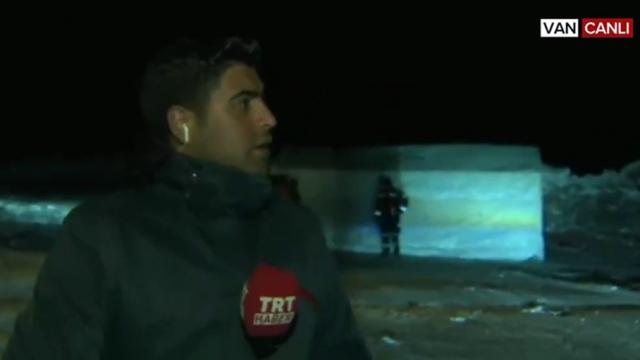 İran sınırında 5,9'luk bir deprem daha: Deprem anı canlı yayına yansıdı