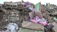 Van'daki depremde baba ve 4 çocuğu hayatını kaybetti