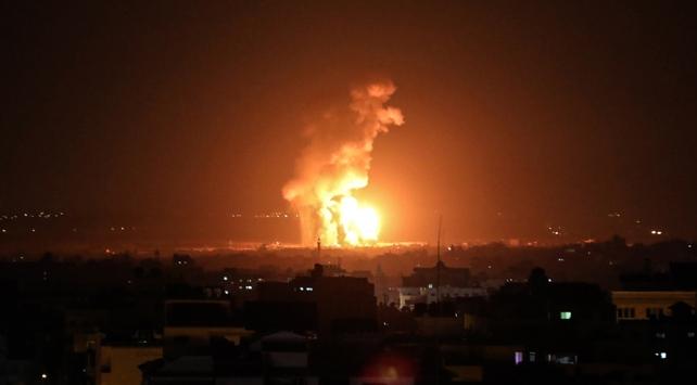 İsrail'den Gazze ve Suriye'deki hedeflere saldırı