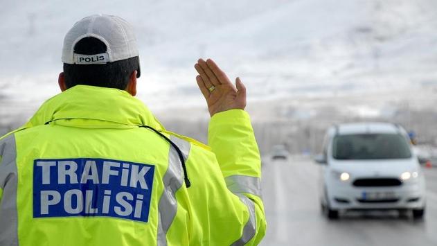 Ülke genelinde 1525 alkollü sürücüye ceza kesildi