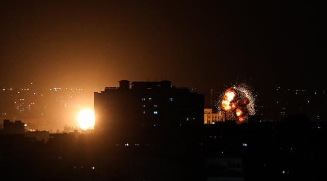 İsrail, Gazzeye saldırılarını sürdürüyor