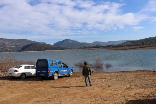 Kemer Barajı Gölünde kaybolan kişiyi arama çalışmaları sürüyor