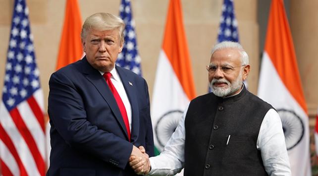 Trump ve Modiden 3 milyar dolarlık savunma anlaşması