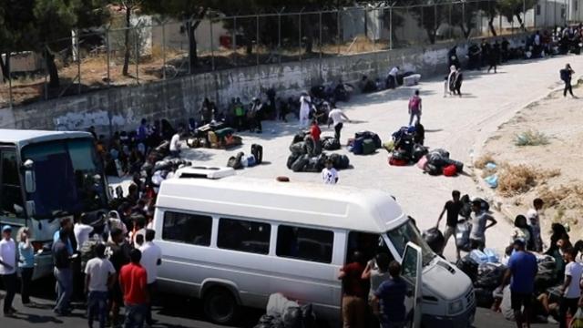 Yunan adalarında kapalı göçmen kampı krizi