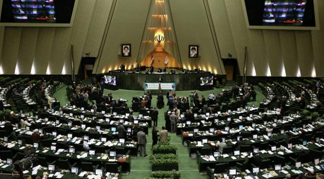 İranda koronavirüs salgını Meclise sıçradı