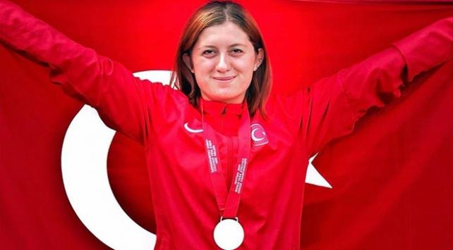 Özel sporcu Fatma Damla Altın dünya şampiyonu