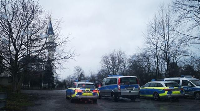 Almanyada cami bomba ihbarı nedeniyle boşaltıldı