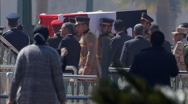 Hüsnü Mübarek için düzenlenen askeri törene tepki