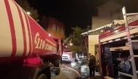 İstanbul'da iki katlı ahşap binada yangın