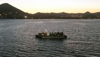Botları su alan 48 düzensiz göçmeni Sahil Güvenlik kurtardı
