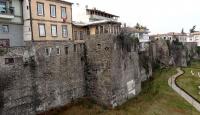 Trabzon Kalesi yapılaşma nedeniyle tehdit altında