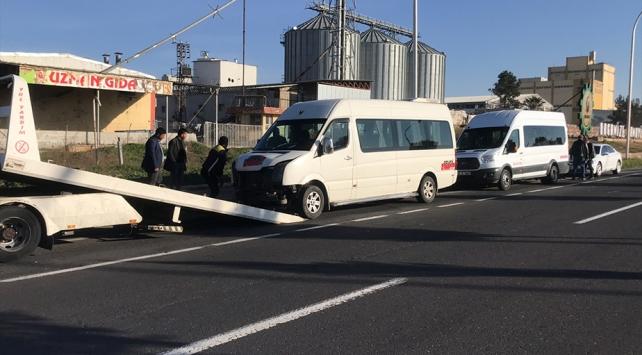 Şanlıurfada iki işçi servisi çarpıştı: 7 yaralı