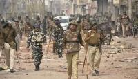 Hindistan'da 2 günde 35 sivil hayatını kaybetti