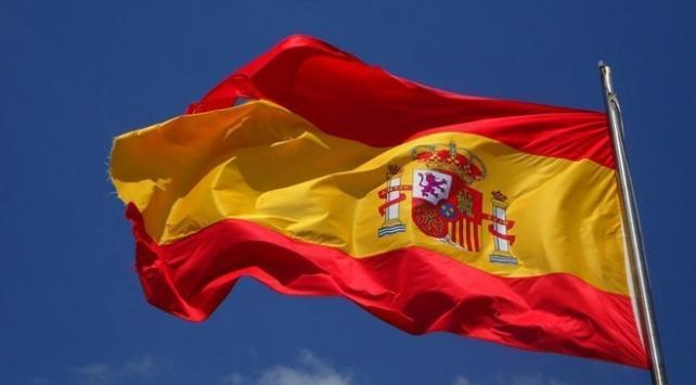 İspanyada askeri uçak denize düştü