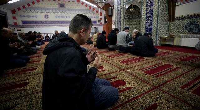 New York ve New Jerseyde eller Mehmetçiğe dua için kalktı