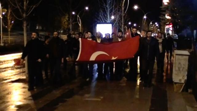 Türkiye'nin dört bir yanında Mehmetçiğe destek yürüyüşleri