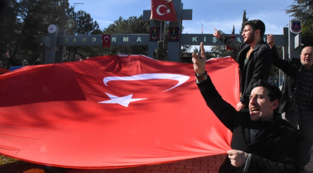Türkiye alçak saldırı sonrası tek yürek oldu