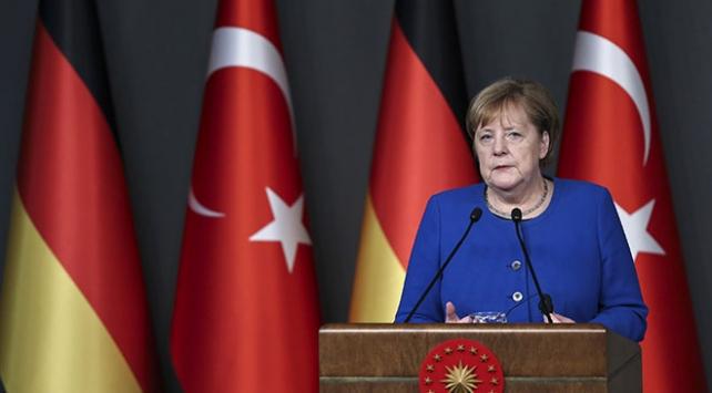 Merkelden Türk askerlerine yapılan saldırıya kınama