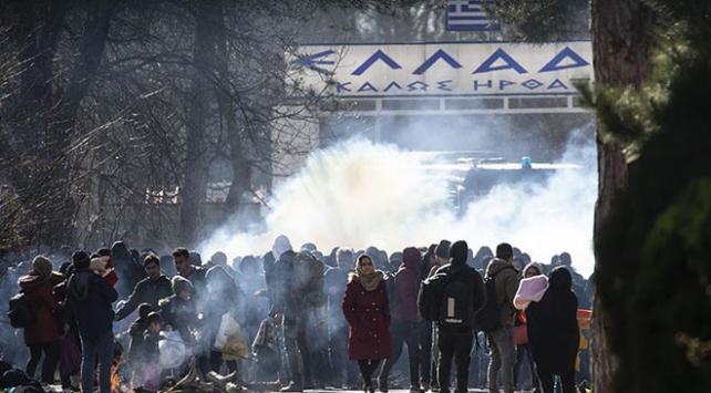Yunan polisi göçmenlere müdahale etti