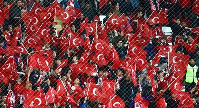 Maçın tribün geliri Mehmetçiğe