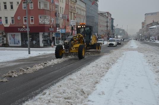 Doğu Anadoluda yerleşim birimlerine ulaşım sağlanamıyor
