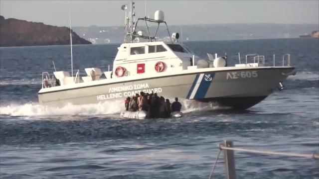 Yunan sahil güvenliği mülteci botunu batırmaya çalıştı