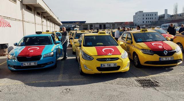 Taksiciler Bahar Kalkanı Harekatına destek için araçlarını Türk bayraklarıyla donattı