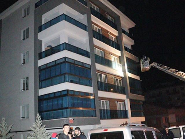 Başkentte 6 katlı binada yangın