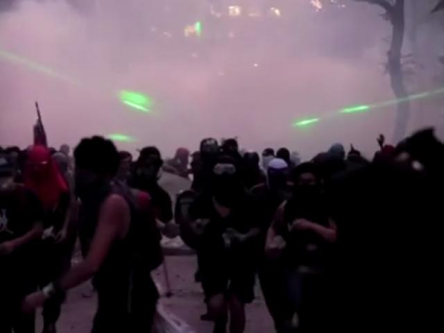 Santiagoda sokaklar savaş alanına döndü