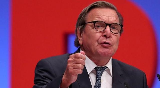 Eski Almanya Başbakanı Schröderden ABye eleştiri